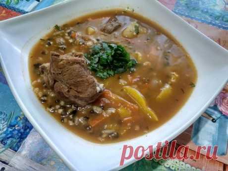 Машхурда (суп из маша) – невероятно сытный и вкусный. Мои мужчины просто обожают - Пир во время езды Блюда восточной, а именно узбекской кухни, это невероятно сытная, красивая и очень вкусная еда. Особенно полюбился в моей семье мясной суп с добавлением маша – Машхурда. Маш – это бобовые, напоминающие чечевицу или мелкий зеленый горошек. Его можно приобрести в любом крупном супермаркете или на рынке, в отделе восточных продуктов и пряностей. Такой узбекский суп …