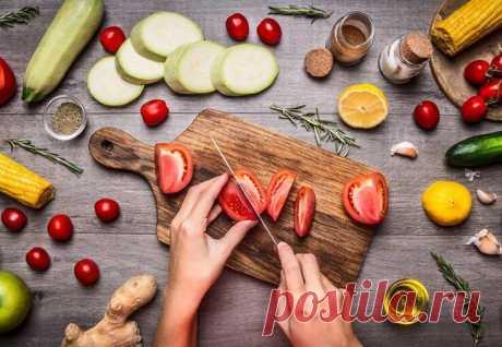 Правила здорового питания от французских натуропатов Еще Гиппократ говорил: «Ваша пища должна быть лекарством, а ваше лекарство должно быть пищей». Наше здоровье на 80% зависит от того, как мы питаемся, и только на 20% от генетики и экологии. Я очень ча...