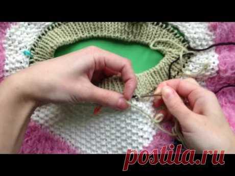 Как пришить горловину вязаного изделия - YouTube