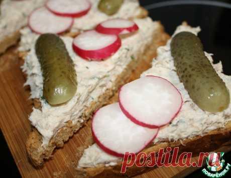 Закусочные тосты из скумбрии по-норвежски – кулинарный рецепт