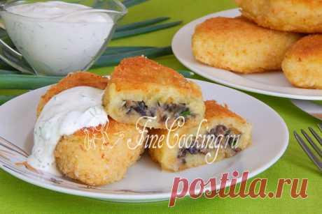 Картофельные пирожки с грибами Картофельные пирожки с грибами (их еще называют зразами) — это очень вкусное и сытное блюдо.