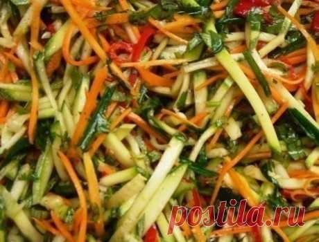 "Салат ""Корейский кабачок"" на зиму – супер закуска!"