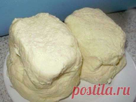 Слоеное тесто (быстрого приготовления) Ингредиенты: 1. мука - 1 кг. 2. сливочное масло или маргарин - 4 пачки по 200 г. Читать рецепт полностью...