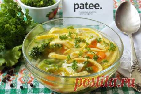 Суп с яичными блинчиками - это легкое блюдо, придётся по вкусу всем, кто следит за фигурой или просто предпочитает лёгкую пищу.  Процесс приготовления достаточно быстрый и простой. Из филе куриной грудки