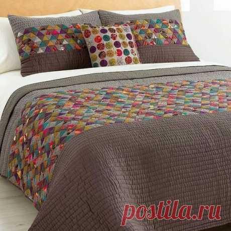 Photo by Patchwork & Quilt Collection in Dnipro. На изображении может находиться: спальня и в помещении