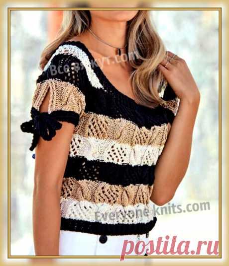 Топ в полоску ажурным узором из кос и отделкой бантиками на рукавах спицами. | Все вяжут.сом/Everyone knits.com |