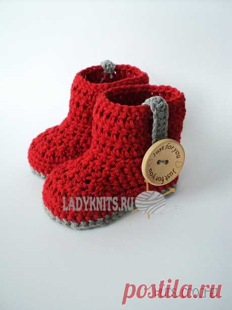 Detailed master class on knitting of nurseries a boot a hook