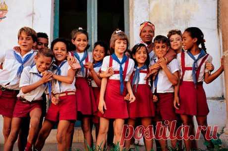 Кубинцы столько боролись за независимость, а теперь рады США   Папа на отдыхе   Яндекс Дзен