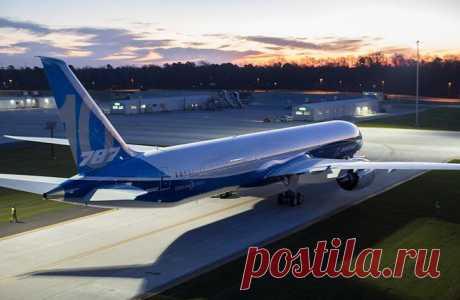 В ближайшем месяце начнутся летные испытания четырех типов самолетов       31 марта 2017 года в воздух поднимут широкофюзеляжный самолет Boeing 787-10 :: Boeing      На ближайший месяц намечено начало летных испытаний сразу четырех новых типов воздушных судов. Речь иде…