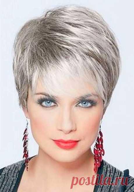 Los peinados de clase a los cabellos cortos)