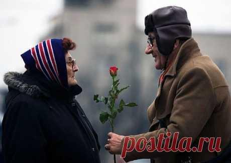 Дарите женщинам цветы в любом возрасте