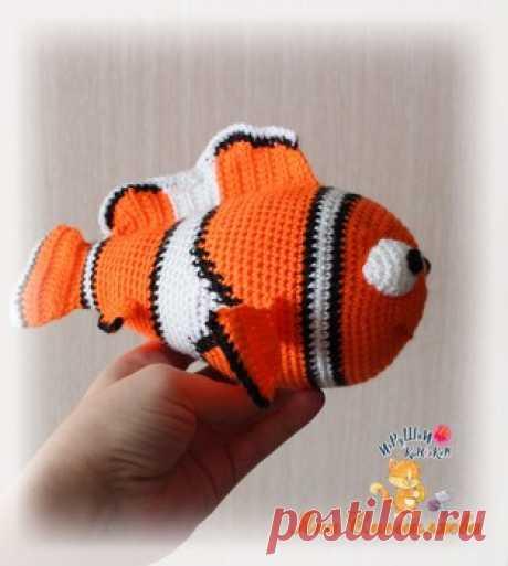 """Рыбка-клоун """"Немо"""" амигуруми. Схемы и описания для вязания игрушек крючком! Бесплатный мастер-класс от Яны Смышляевой по вязанию персонажа из детского мультфильма """"В поисках Немо"""". Для изготовления рыбки-клоуна вам п…"""