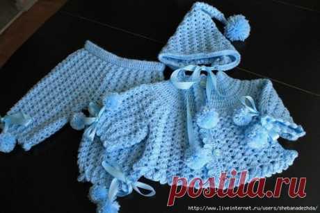 #вязание#спицами#крючком#начинающим#детям#женщинам#мужчинам Костюмчики для маленьких пупсиков. Размер 0- 04 месяца   Показать полностью…