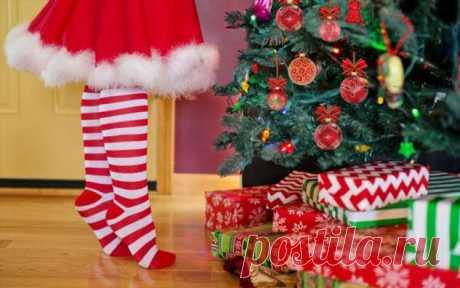 Почему американские дети В Рождество ищут на елке огурец . Тут забавно !!!