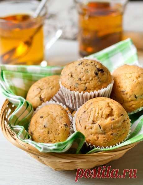 Арахисовые маффины с шоколадом - простой рецепт,  который прекрасно дополнит чашку горячего согревающего чая промозглым зимним вечером