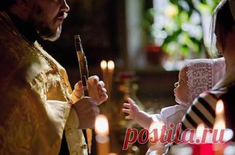 Причины, по которым после родов женщине нельзя посещать церковь