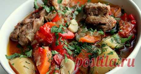 Одно из самых ленивых блюд кавказской кухни. Никогда не задерживается в холодильнике! Умопомрачительный вкус...
