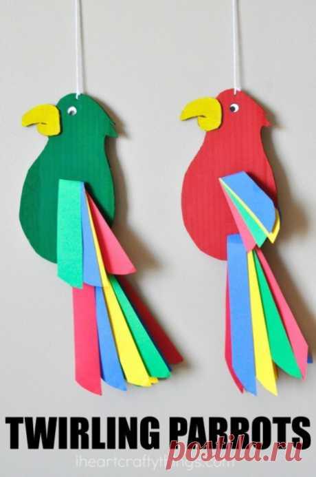 Творческое занятие для малышей: попугайчики из картона — Поделки с детьми