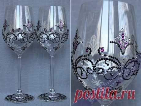 """Подарок на свадьбу - бокалы для вина SWAROVSKI """"Барокко"""". Магазин свадебных товаров, город Волгоград. Раздел каталога: Оформление свадеб."""
