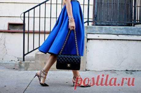 Синяя юбка — незаменимая деталь для настоящей модницы | Люблю Себя