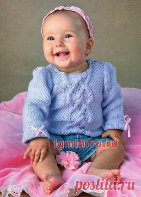 Сиреневый пуловер с косами» для малышки 6-9 месяцев. Вязание спицами для самых маленьких детей со схемами и описанием