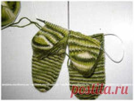 Носки на двух спицах, связанные одновременно