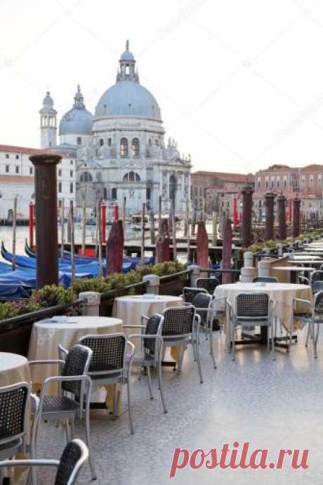 depositphotos_13742251-stock-photo-street-cafe-in-venice.jpg (Изображение JPEG, 682×1023 пикселов) - Масштабированное (86%)