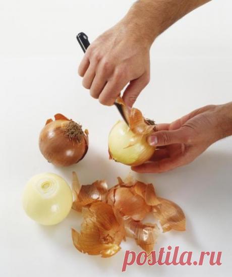 Немногим хозяйкам известно о том, что если в супе отварить лук вместе с шелух...