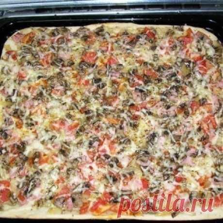 Пицца с тонкой хрустящей основой за 20 минут