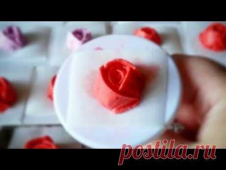 Как сделать розы из айсинга для украшения куличей и пряников.