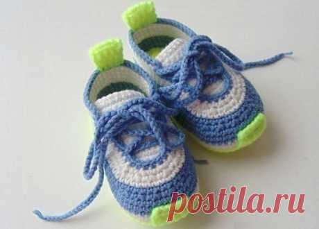 Children's sneakers hook scheme and description (Knitting by a hook) | Inspiration of the Needlewoman Magazine