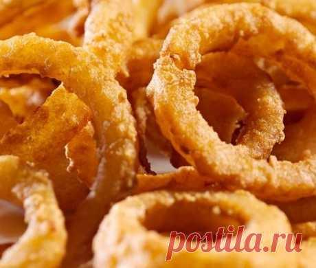Жареные кольца лука в кляре - и гарнир, и самостоятельное блюдо