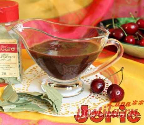 Шоколадный соус с черешней, чили и малабарской корицей рецепт с фото