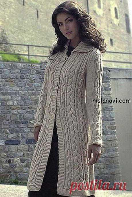 Вязаное пальто спицами с косами | Вяжем с Ланой