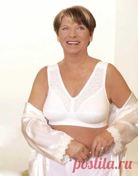 Научилась выбирать нижнее белье. Теперь и комфортно, и чувствую себя неотразимой в 60 лет | Немного за 60 | Яндекс Дзен