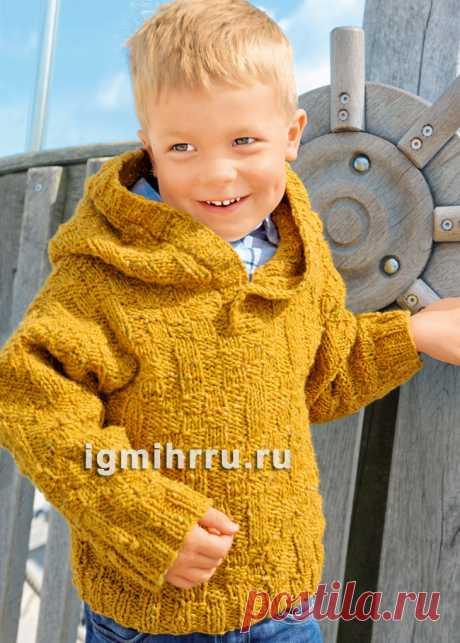 Для мальчика 1-6 лет. Теплый пуловер с простым рельефным узором и капюшоном. Вязание спицами для мальчиков со схемами и описанием