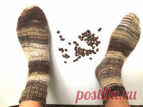 Секционная и градиентная пряжа идеальна для вязания носков