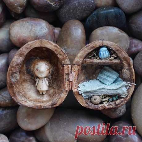 Good Things in Small Packages: Miniature Dolls That Fit in a Walnut Shell - Sputnik International
