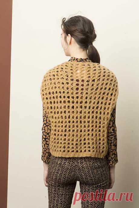 Модный женский вязаный жилет спицами, схема с описанием