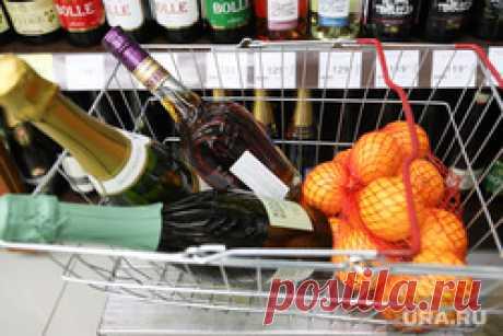 Вылить праздничный алкоголь в унитаз призывает россиян Онищенко