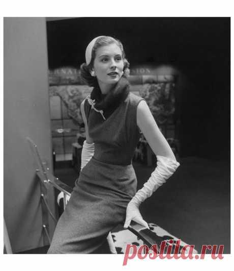 Suzy Parker 1950   Photo Nina Leen