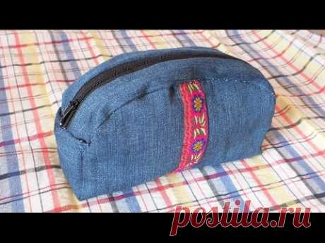 The cosmetics bag from old jeans to sew for half an hour the hands