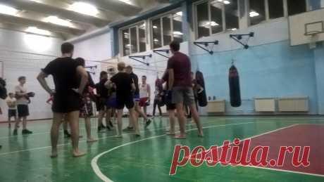 Тренировки на Металлургов в Красноярске СК Гаруда тайский бокс https://vk.com/club107972661