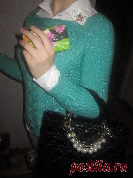 шанель сумка...вязанная кофточка, и блузка...