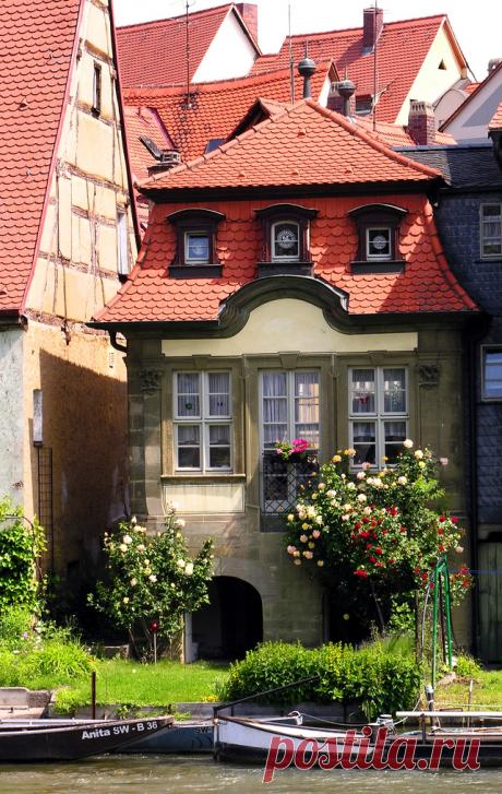 Дома и деревни Тюрингии и Баварии. Германия