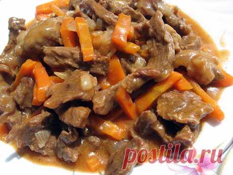 Либжэ - мясо тушеное по-кабардински         Обалденное мясо получается... Баранину (говядину) режем на ровные кусочки. Режем лук средними кусочками (по объему столько же, сколько и мяса) Морковь (1 большая) режем крупной соломкой Мясо в…