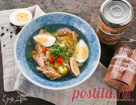 Овощной суп с тунцом. Ингредиенты: вода, картофель, морковь