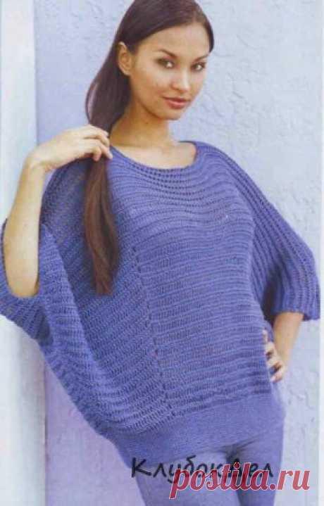 Широкий синий пуловер. Вязание спицами для женщин