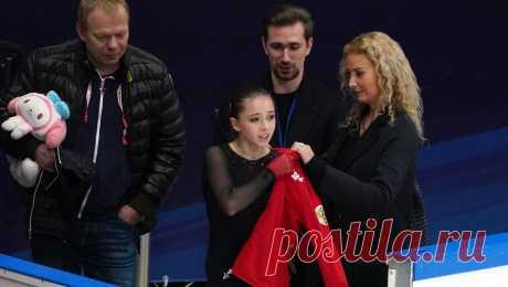Валиева дважды упала в произвольной программе на этапе Кубка России и заплакала Камила Валиева с двумя падениями исполнила произвольную программу на этапе Кубка России в Москве.