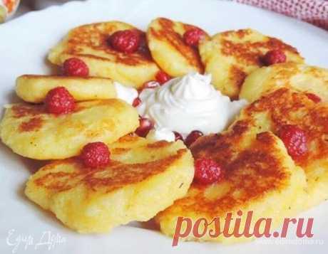 «Сырники» из манной каши на завтрак. Ингредиенты: манная крупа, молоко, сливочное масло